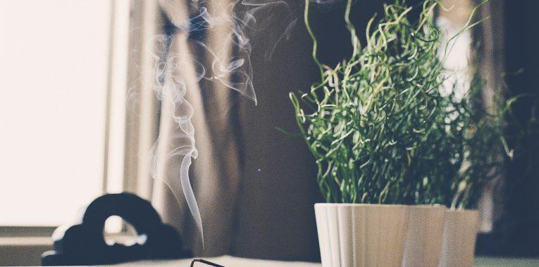 bruler de l'encens chez soi