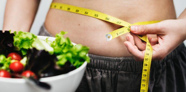 plus difficile de perdre de poids pour les femmes